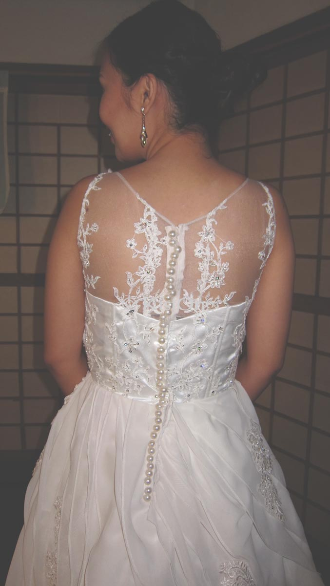 aron-back-wedding-dress