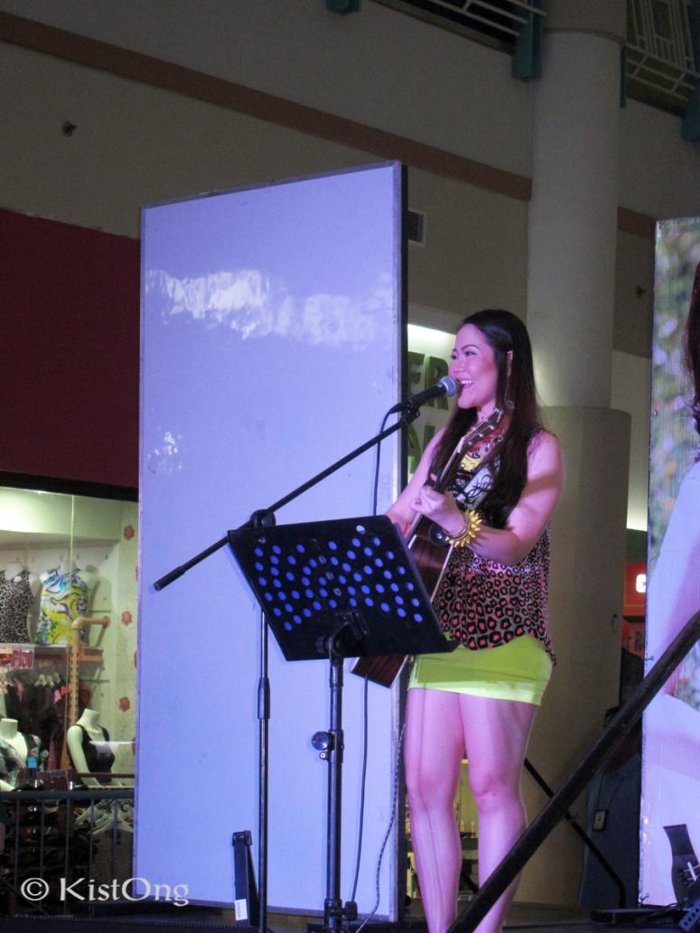 5sabrina-acoustic-singer-robinsons-sta-rosa-mall