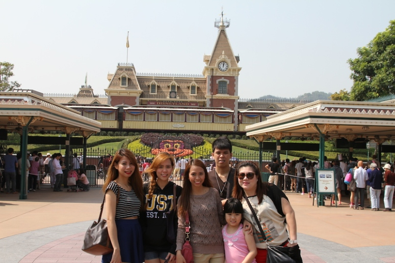 11mandatory hongkong disneyland photo