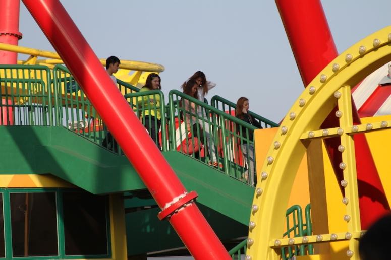 21ocean-park-hong-kong-hair-raiser-rollercoaster-conquered