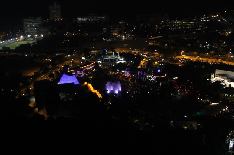 24ocean-park-hong-kong-at-night