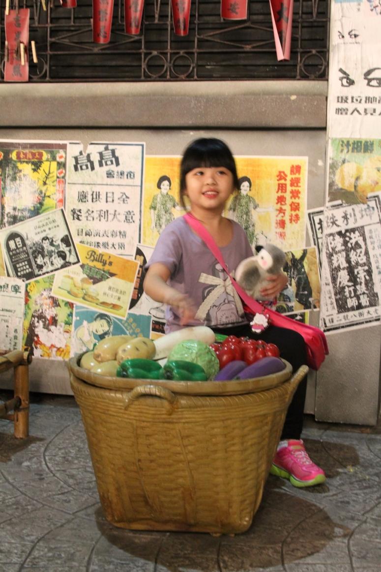 25ocean-park-hong-kong-old-kong-kong-france-vegetable-seller