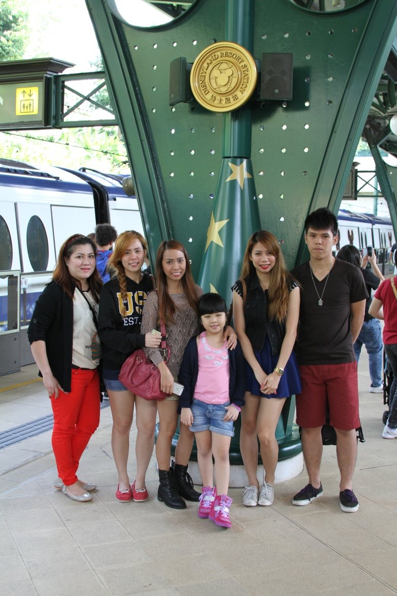 7first photo at hongkong disneyland